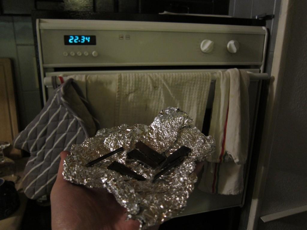 Pour le revenu (opération de destressage du métal), on enfourne une heure dans un four préchauffé thermostat 7.