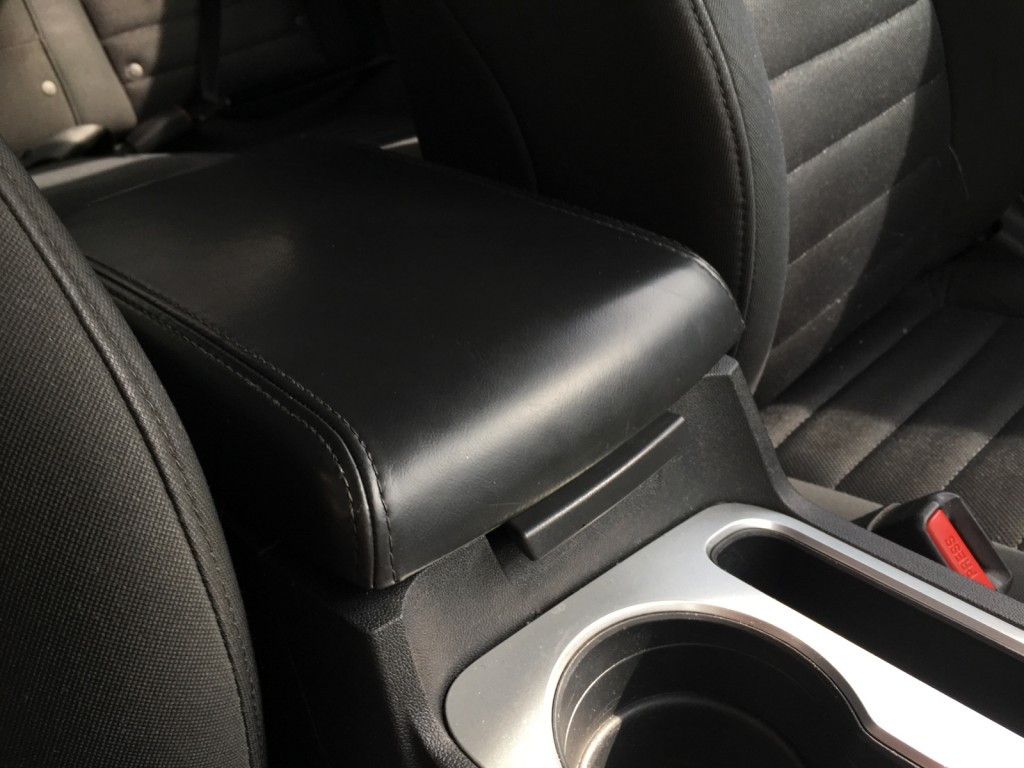 Now that's one nice Dodge Challenger armrest fixed!